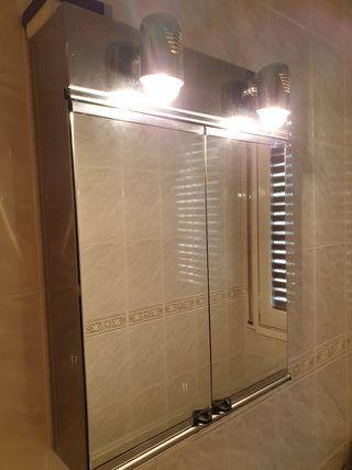 Mueble-espejo para baño
