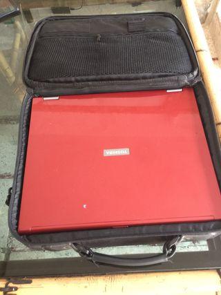 Ordenador portátil Toshiba PTM50E