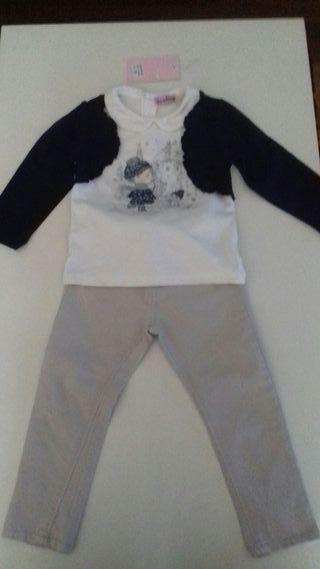 Conjunto de camiseta y pantalones de niña