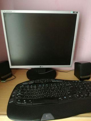 pantalla LG y teclado