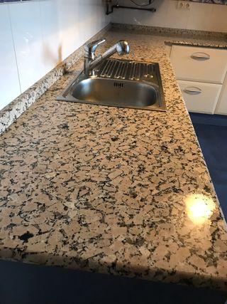 Muebles cocina con encimera de granito