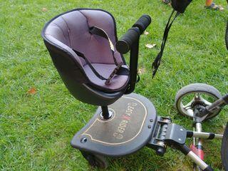 Patinete con asiento para coches de bebes