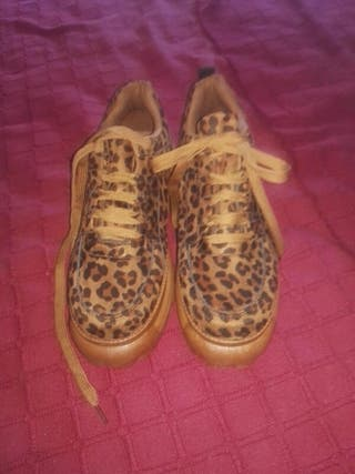 zapatillas buffalo leopardo ,39