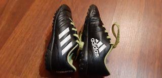 Botas de fútbol multitaco..talla 29