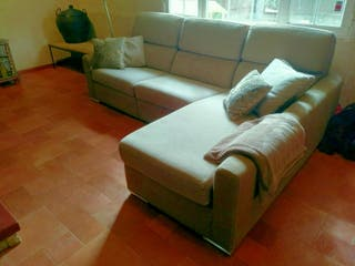 Sofa con Chaisselongue y relax eléctrico