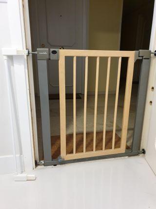 Barrera de seguridad para puertas. Marca MUNCHKIN