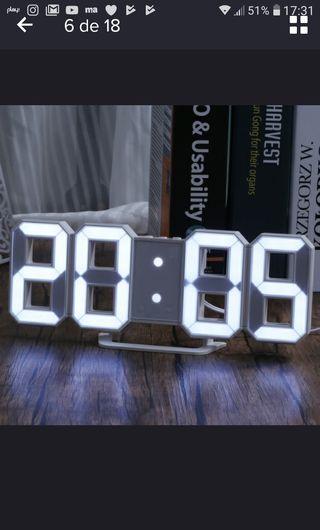 Reloj de pared con luces led