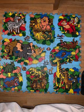 Alfombra-puzzle para niños de gomaespuma