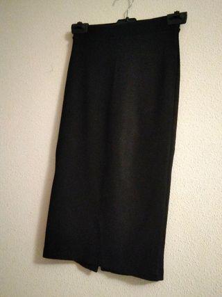 Falda negra tipo lápiz