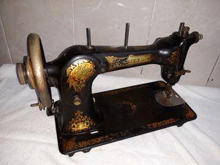 maquina de coser Werheim Rapida del año 1920