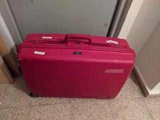 maleta marca Delsey mediana