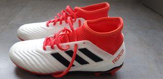 Botas de fútbol talla 40, talla americana 7.