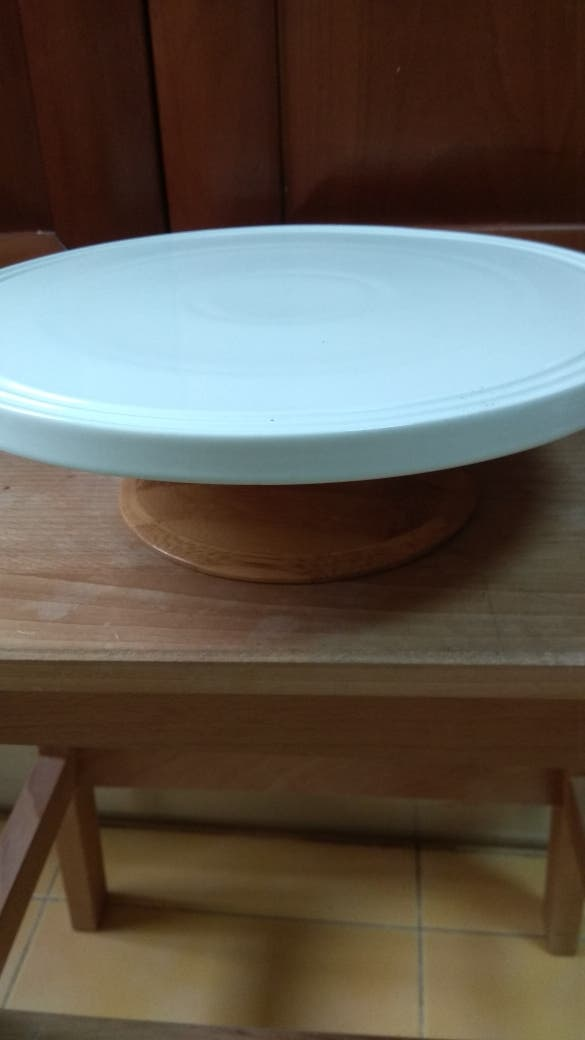Expositor de tartas y espátula reposteria