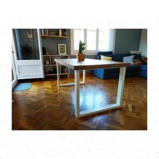 Mesa de comedor estilo industrial