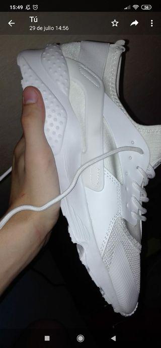 zapatillas blancas parecidas a las huarache