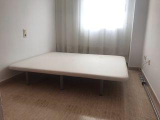 Base tapizada 150x 190 con 6 patas
