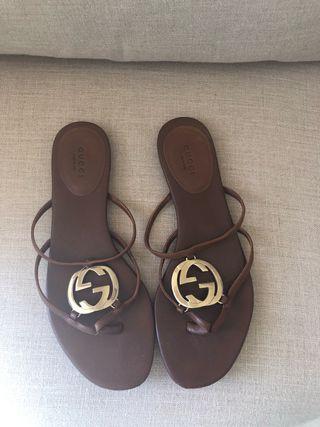 Sandalias piel Gucci