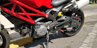 Ducati Monster 696 para A2