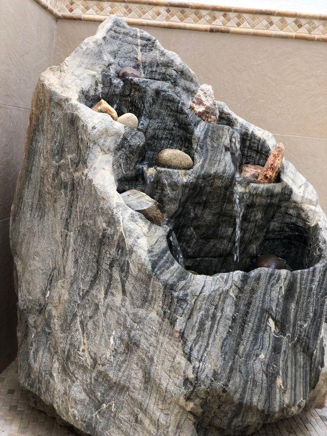 Cascada fuente de piedra