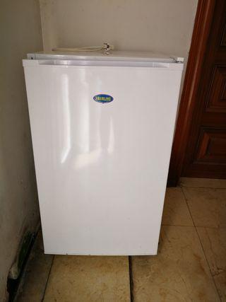 frigorifico pequeño medidas 80 largo 50 ancho