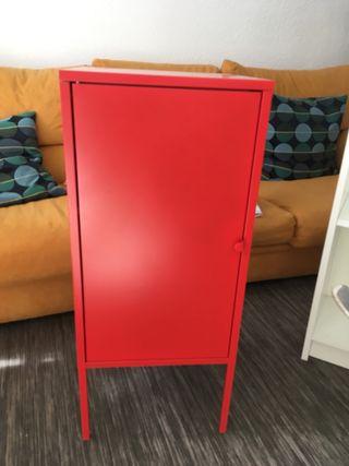 Armario rojo LIXHULT metal IKEA