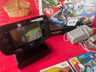 Wii U + 5 juegos + 5 mandos + mando nintendo kart