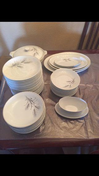 Vendo vajilla de porcelana Vargas