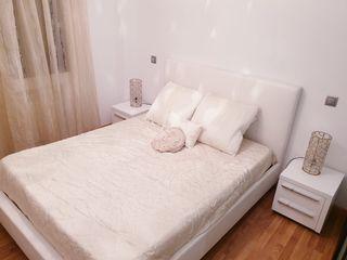 Estructura de cama con cabecero de polipiel