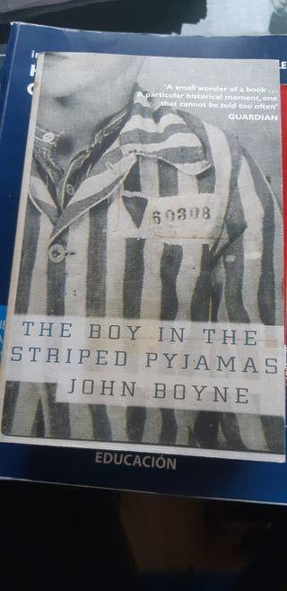 libro el niño con el pijama de rayas en inglés