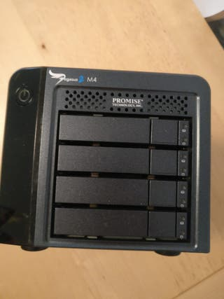 Array x4 HDD 4Tb Promise Technology Pegasus2 M4