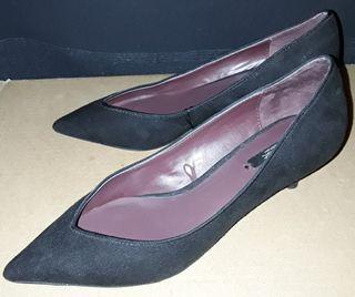 Zapatos mujer negros ZARA. T. 37. A estrenar.