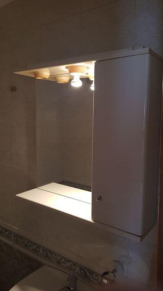 Espejo con armario de baño. 2 unidades