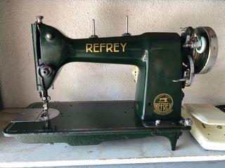 Maquina de coser Refrey CL 306