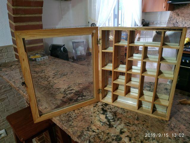 Expositor colonias miniatura