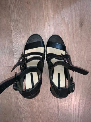 Sandalia Zara T41