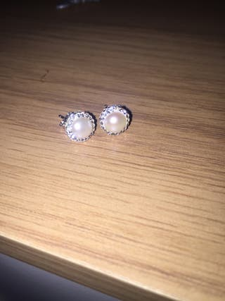 Real diamond and pearl ear rings