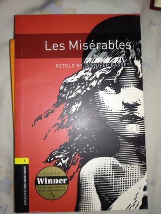 """Libro """"Les Misérables""""."""