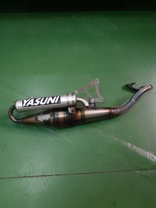 Tubo de escape Yasuni de competicion