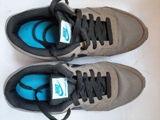Zapatos Nike MD RUNNER 2 (auténticos)