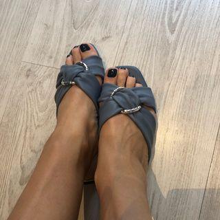 Sandalias azules piel Zara 37