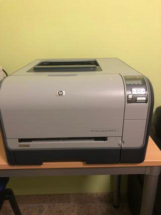 Impresora Color LaserJet CP1515n+2 cartuchos tinta