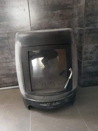estufa de leña marca Invicta