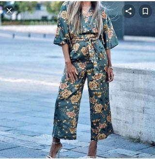Mono Zara flores oriental