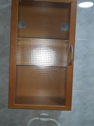 armario de baño (ikea) y espejo