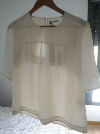 Blusa de mujer, de la marca Bimba y Lola.