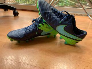 Botas de fútbol Nike Talla 44