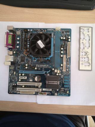 Placa Base Gigabyte + Procesador AMD