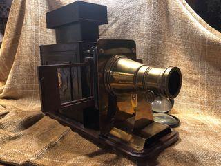 Proyector antiguo S.XIX. Linterna de cristales