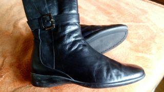 Botas piel 100%, negras, planas