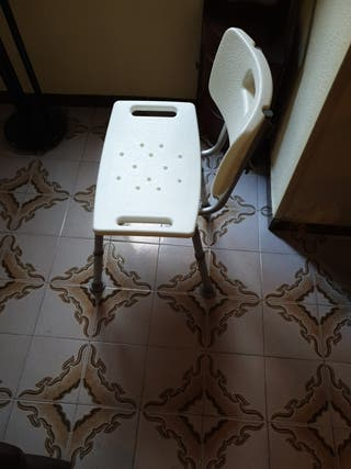 Silla de ducha para ayudas técnicas